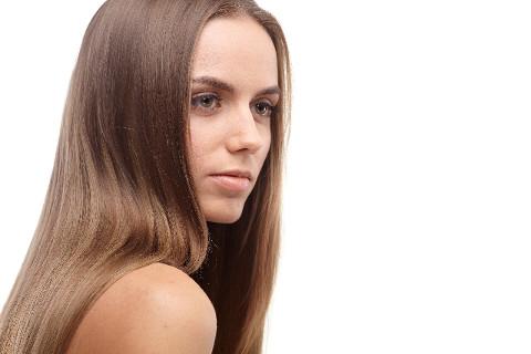 しっとりまとまる髪